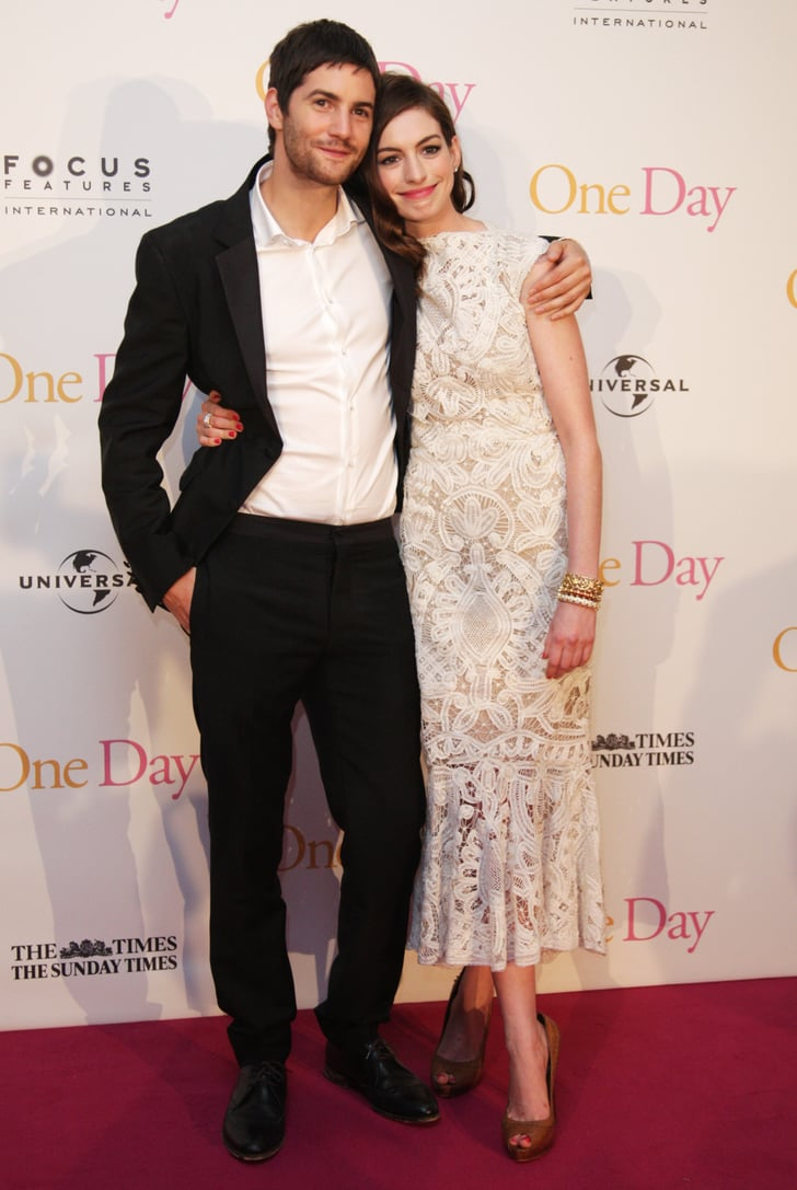Anne Hathaway and Jim Sturgess threw their arms around each other on the One Day red carpet.