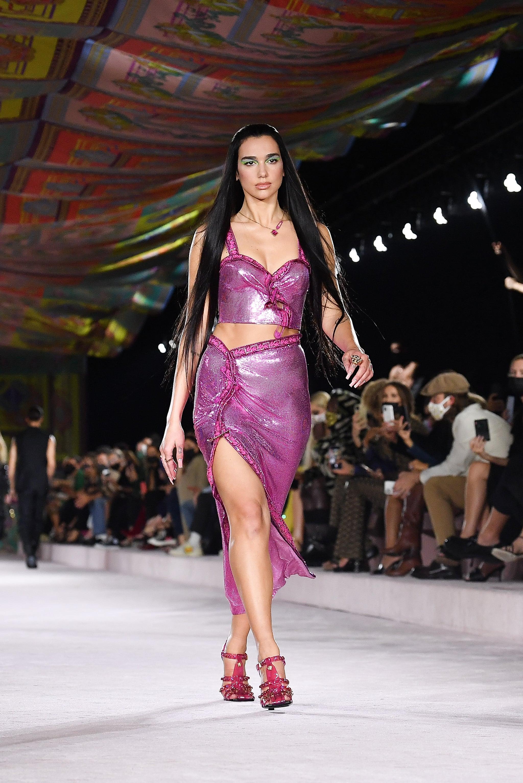 Dua Lipa Made Her Runway Debut For Versace | POPSUGAR Fashion