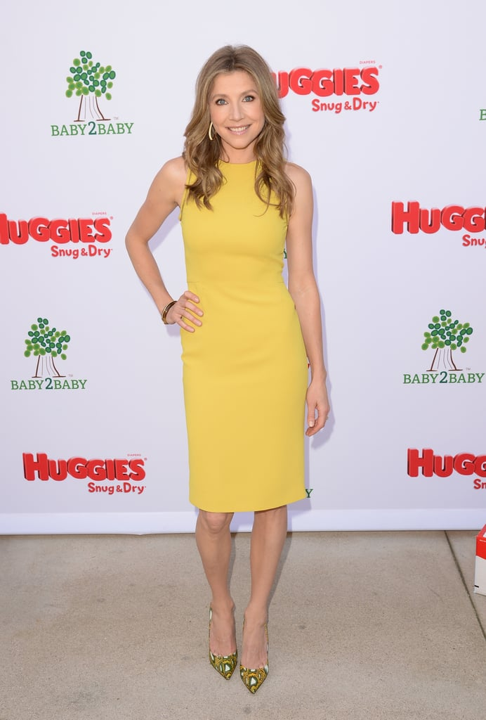 Sarah Chalke's formfitting yellow sheath dress and coordinating printed pumps made a fabulous duo at a garden party in LA. They would brighten any room in an instant.