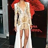 Va-va-voom! Zoe nailed it at the Miami premiere of Colombiana in this edgy Balmain look and sexy Giuseppe Zanotti heels.