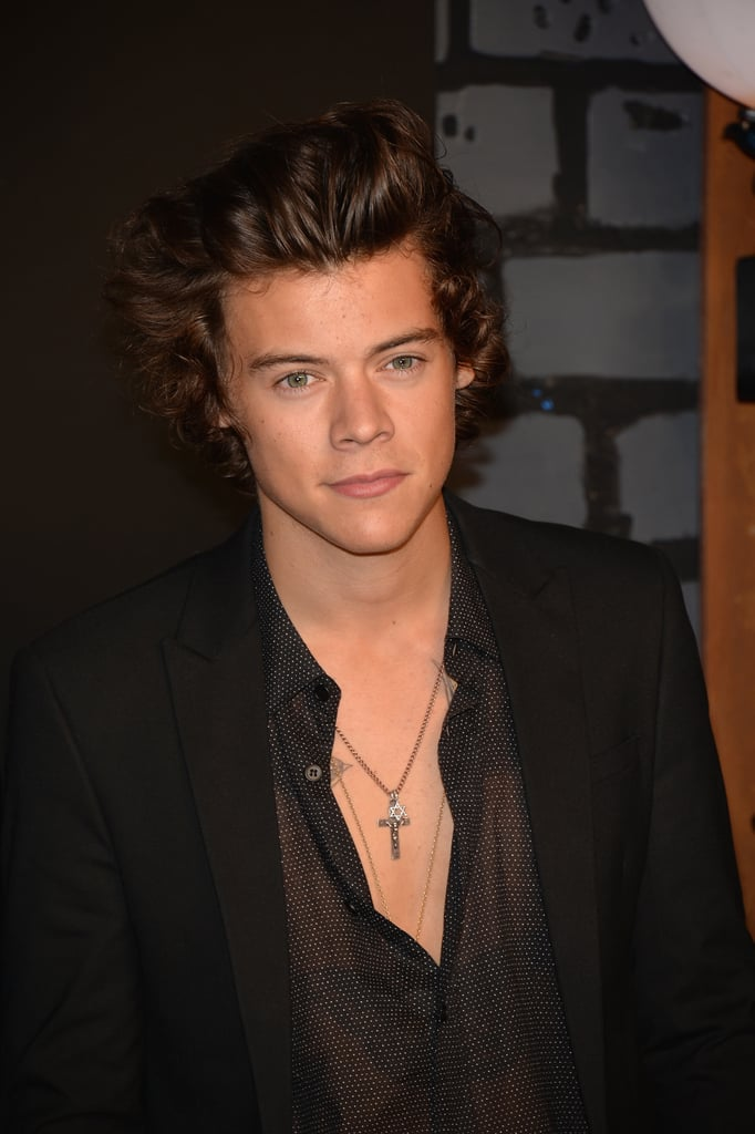 Harry Styles walked the VMAs red carpet.
