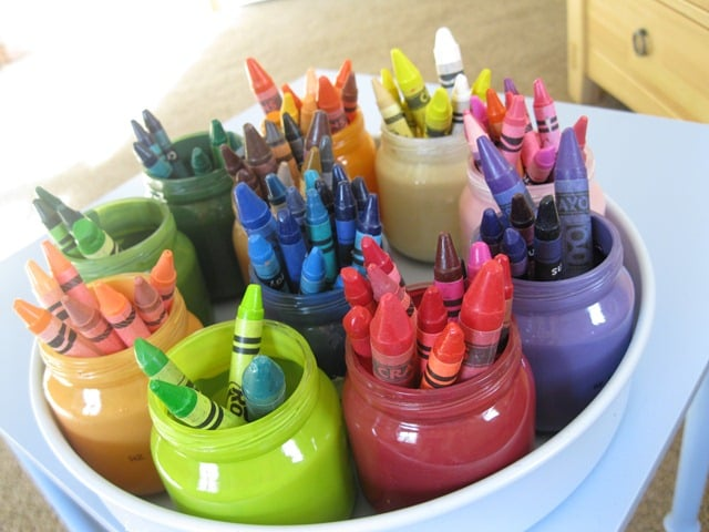 Upcycle Your Baby Food Jars Into a Desk Organizer