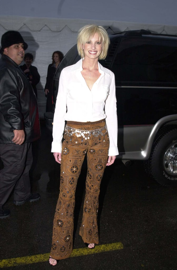 A short-haired Faith Hill smiled for the cameras in 2001.