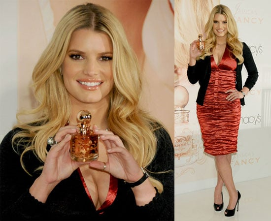 Photos of Jessica Simpson, Rumor She's Pushing for Marriage to Tony in Texas