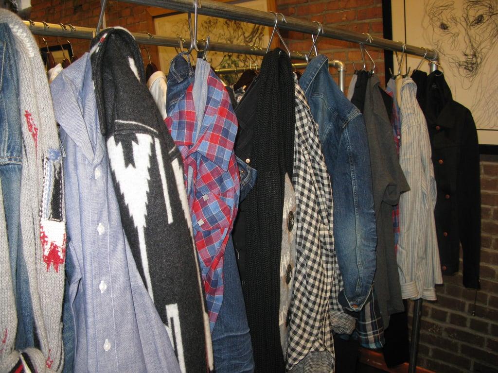 Capsule Trade Show: April 77 Fall 2009