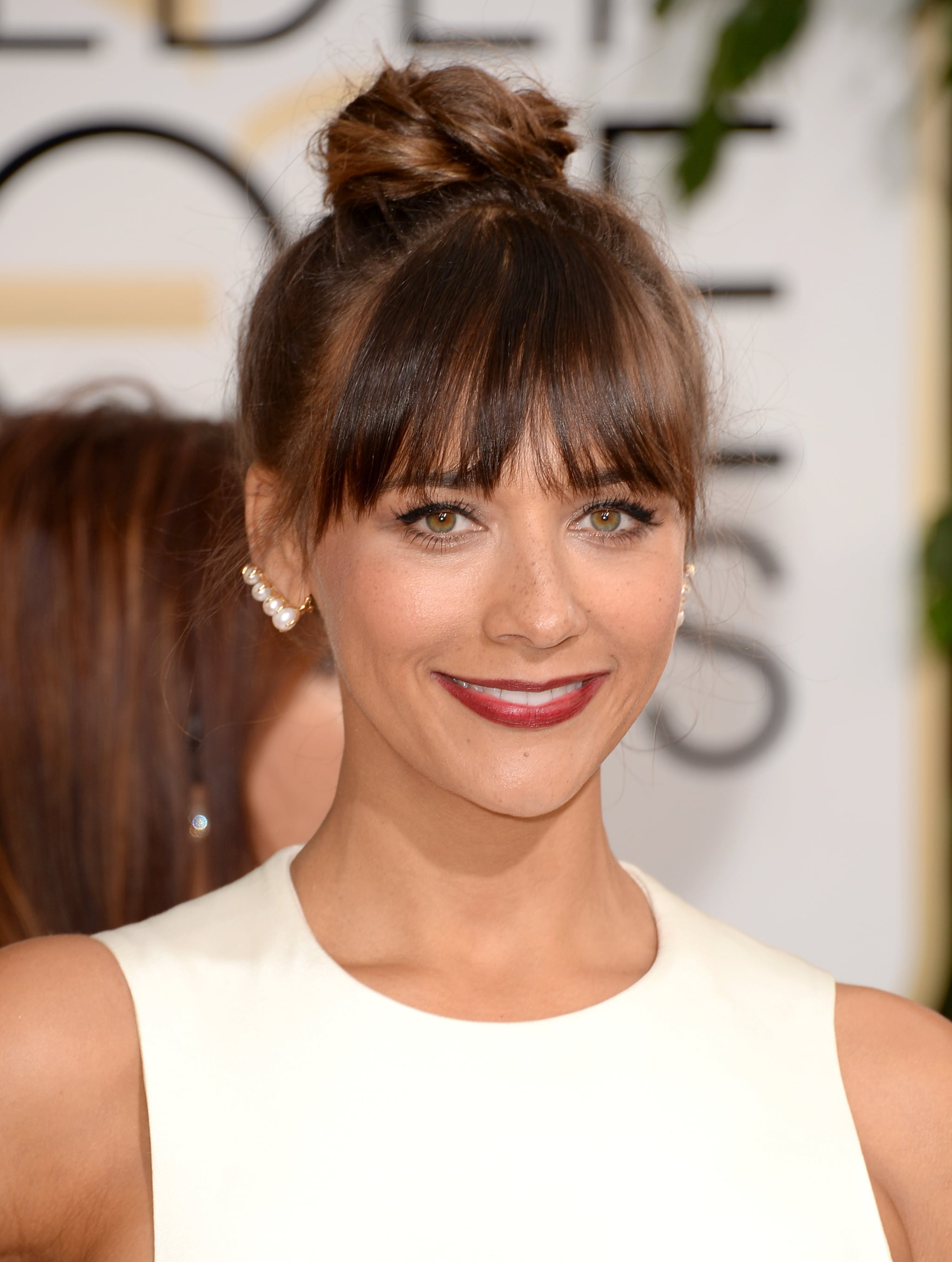 Think pearls can't be edgy? Well then you haven't seen Rashida Jones's Ana Khouri Patricia pearl ear cuff earrings yet.