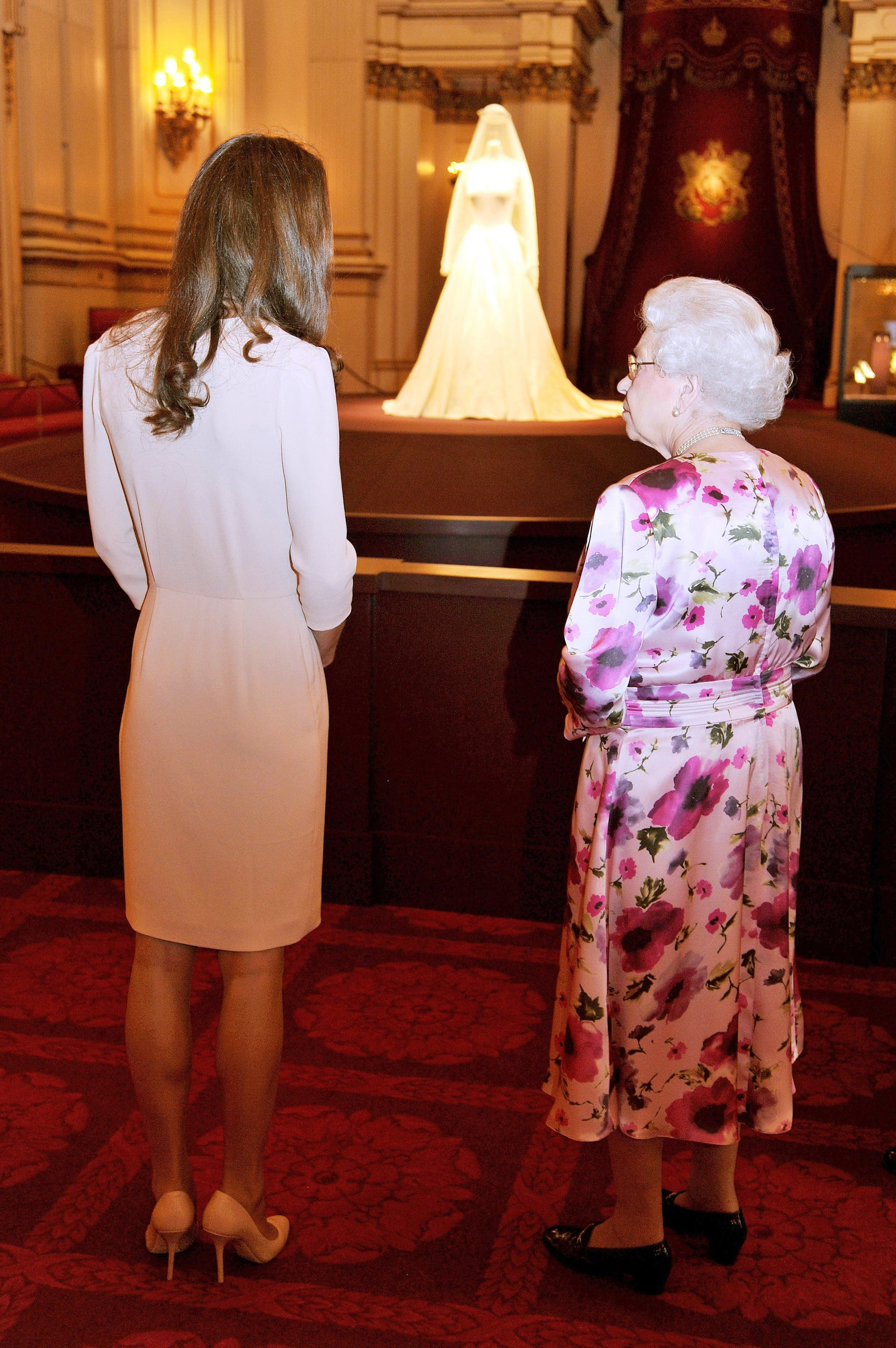 Pictures of Kate Middleton and Queen Elizabeth II Viewing Kate\'s ...