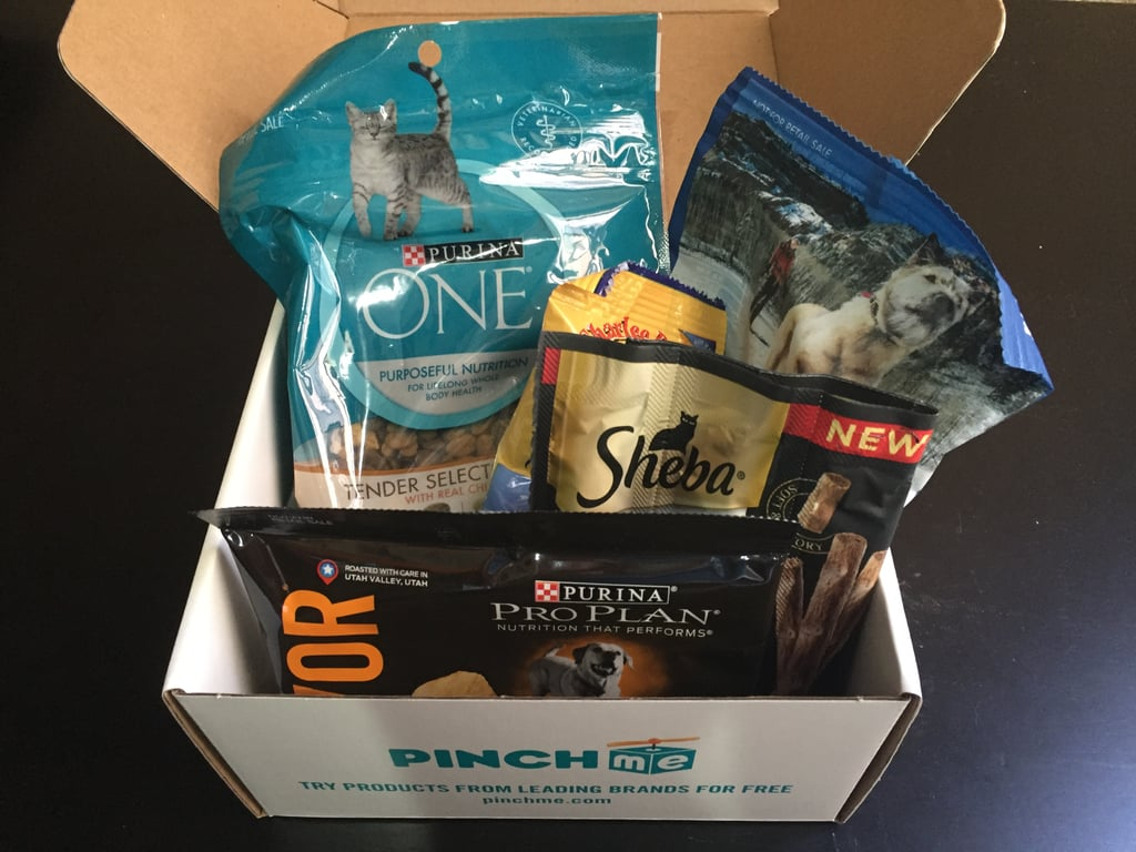 How would you like to get a bunch of pet-related samples in the mail every month, at no monetary cost to you? That's exactly what you get with PINCHme (free). By subscribing to this service, you get to choose what samples you'll get in a box delivered to your door, and it costs you nothing except a bit of time. All you have to do in return is let PINCHme know what you think of the sample products. Super easy, right?
