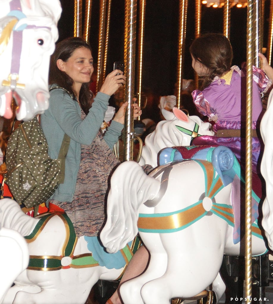 Katie Holmes took a picture of her daughter at Disney World.