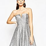 Asos – NIGHT – Fluff – Metallic-Minikleid mit Bandeaudesign