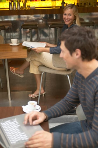Kindles and iPads Banned From Restaurants and Coffee Shops