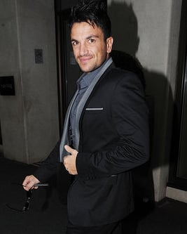 Pictures of Peter Andre Rushed to Hospital With Stomach Pains