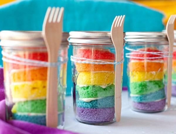 Easy Rainbow Cupcakes