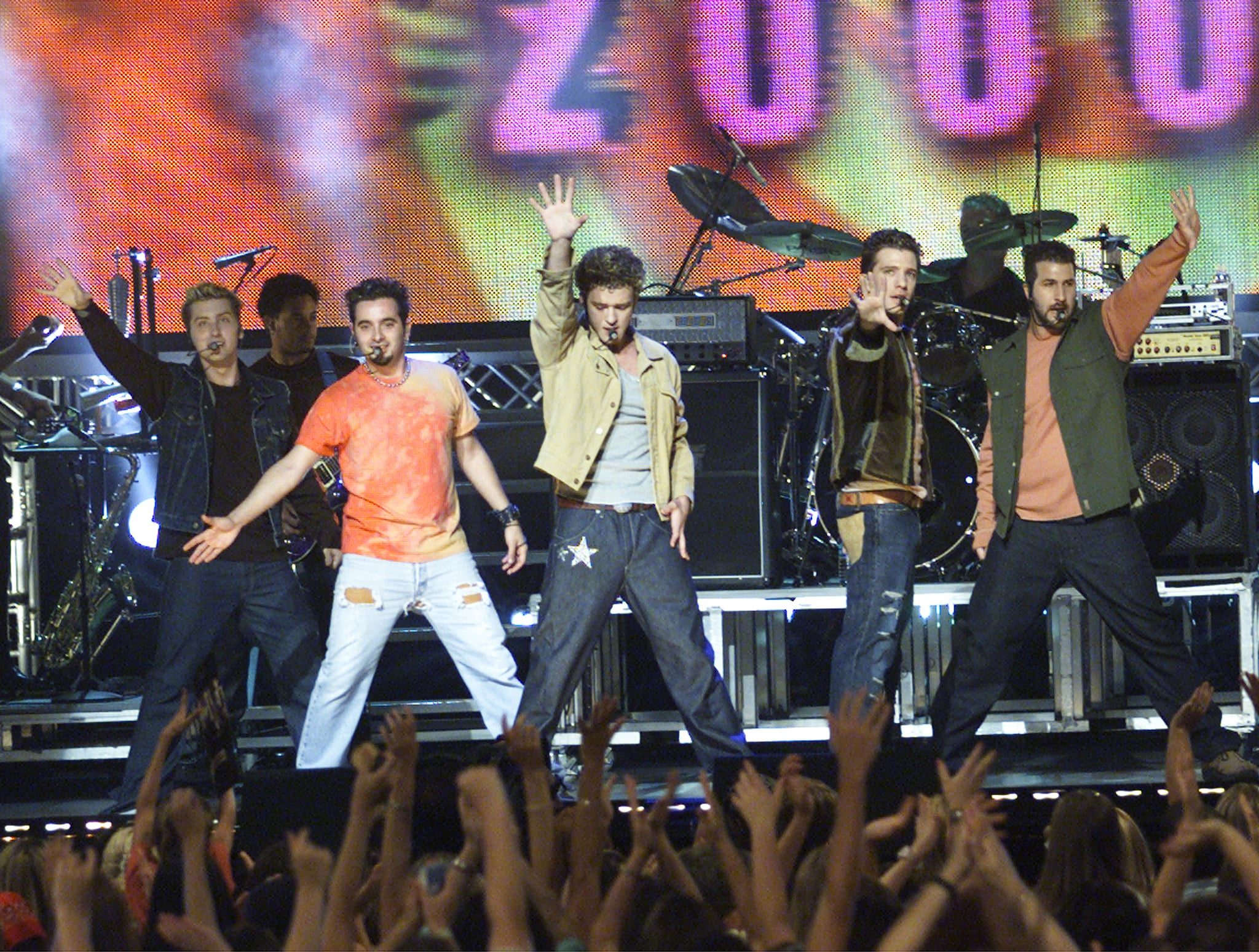 MUSIC MANIA, N'Sync performing (l to r): Lance Bass, Chris Kirkpatrick, Justin Timberlake, JC Chasez, & Joey Fatone, Aired 08/15/00, 2000