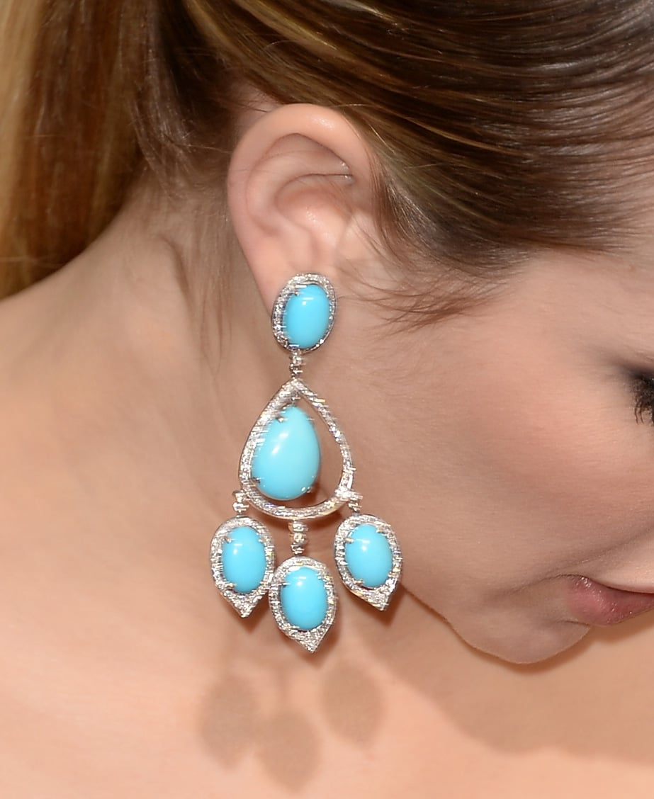 Emma Roberts's beautiful blue earrings made us want our own pair.