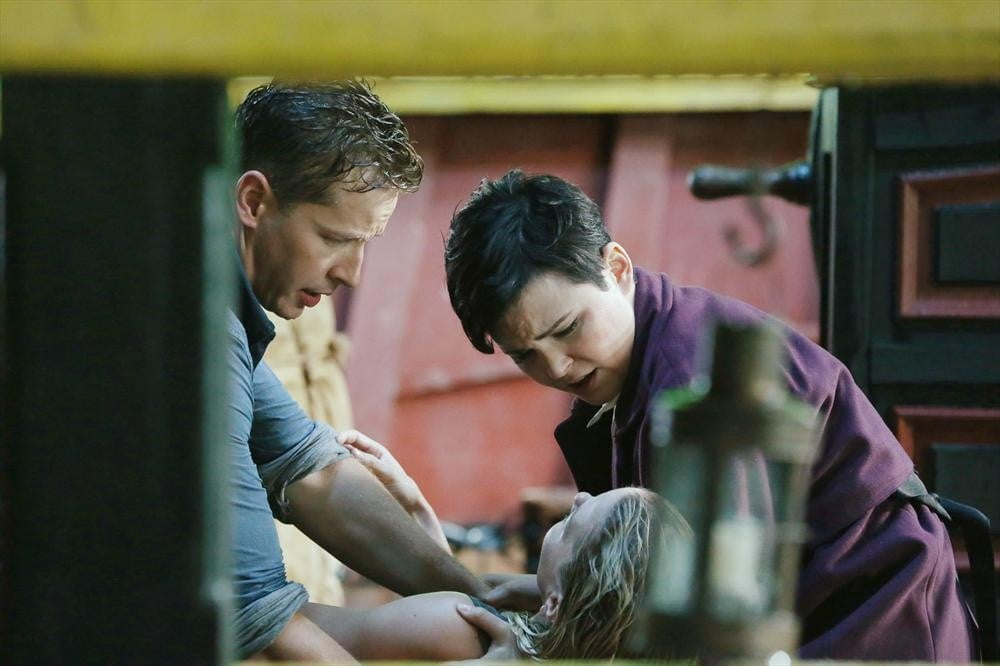 Josh Dallas, Jennifer Morrison, and Ginnifer Goodwin on the season premiere of Once Upon a Time.