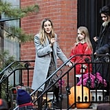 Pictures of SJP on Set