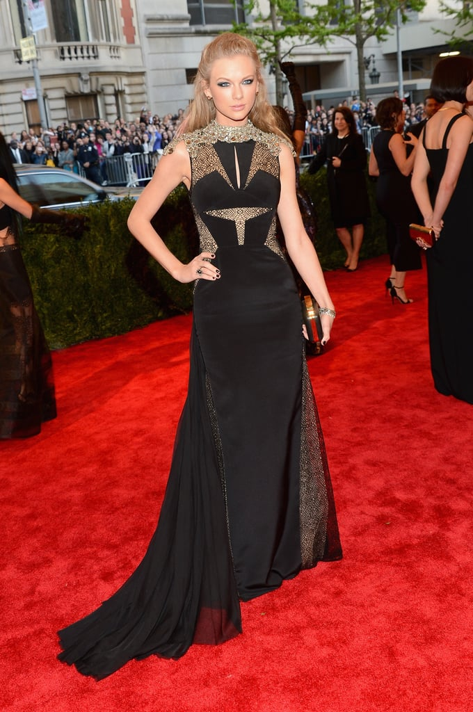Taylor Swift ditched her country cutie look for a gothic gown.