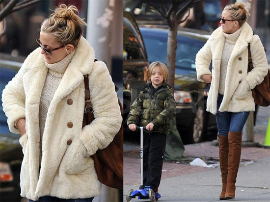 Photos of Kate Hudson and Ryder in NYC 2009-12-07 09:15:22