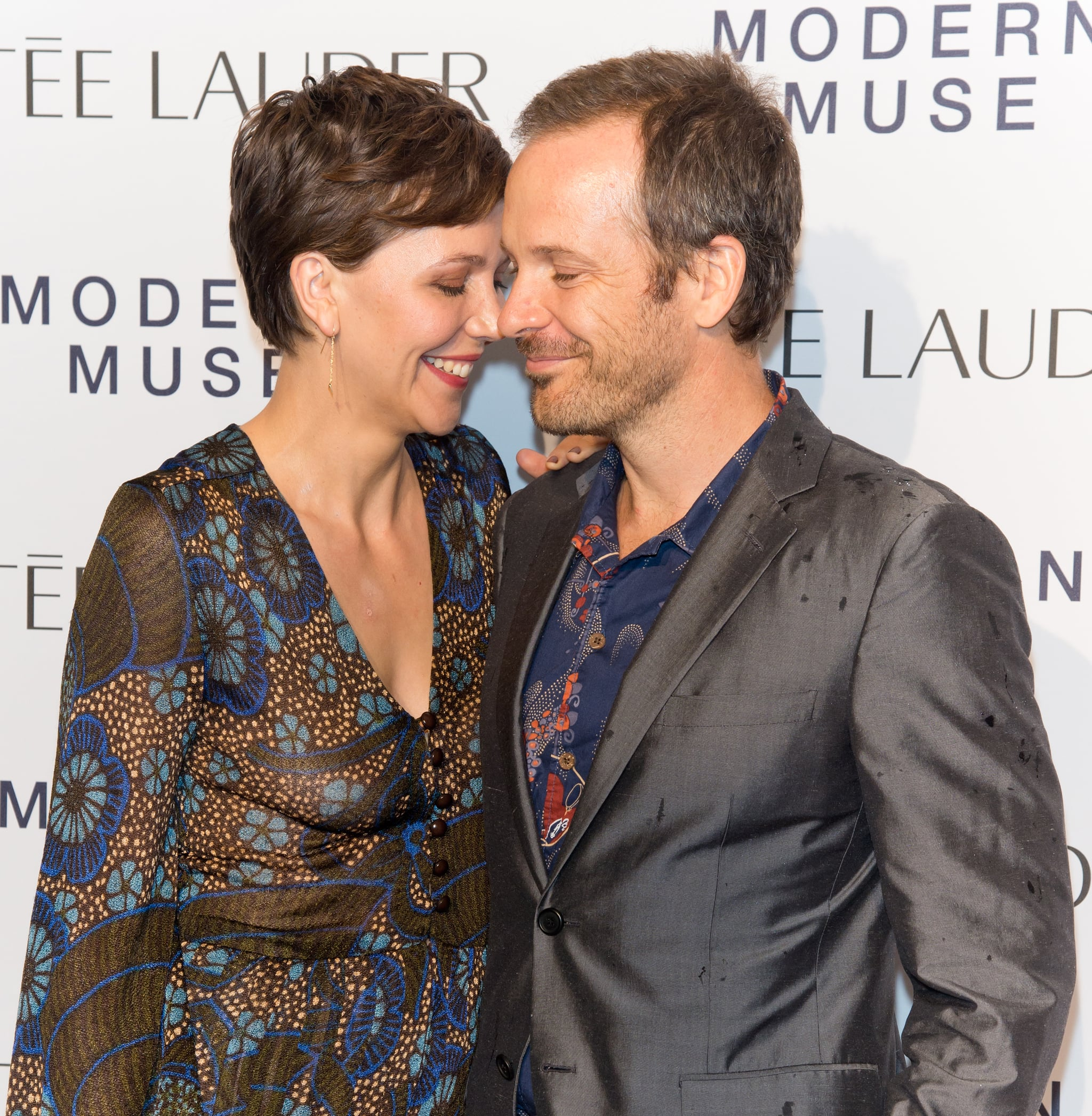 Maggie Gyllenhaal shared a sweet moment with her husband, Peter Sarsgaard, at the Guggenheim Museum.