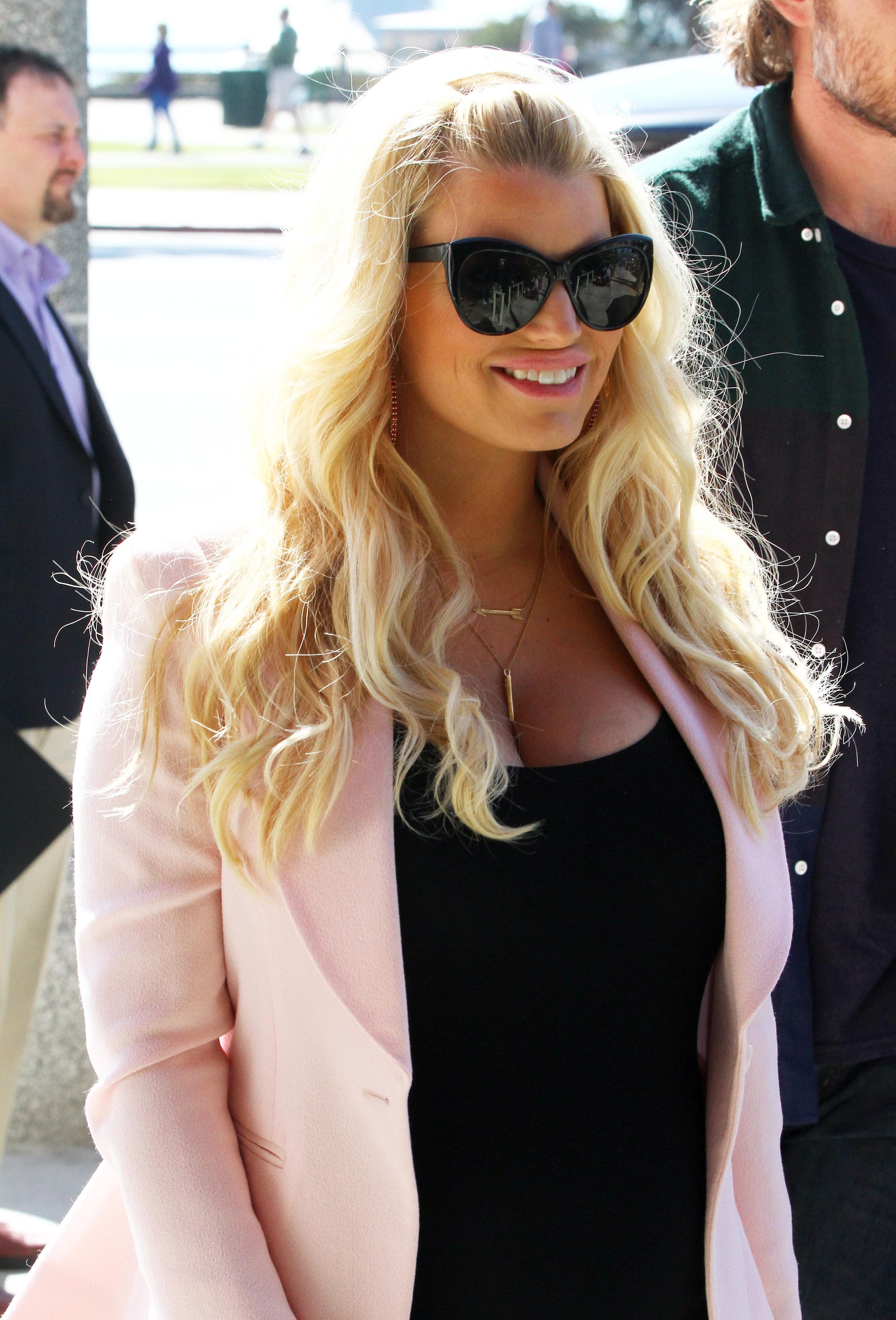 Jessica Simpson flashed a smile on her way to lunch.