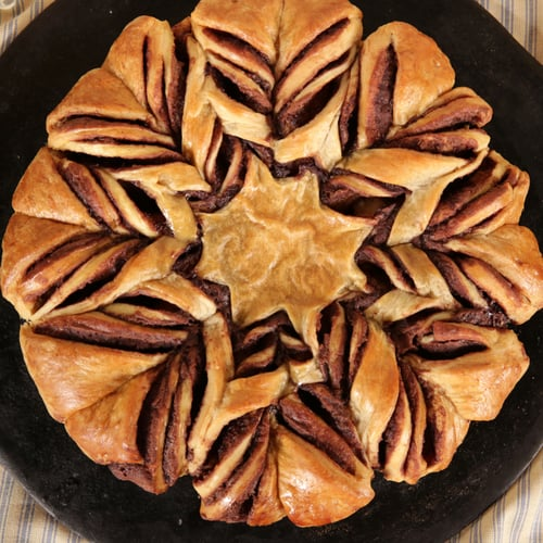 Nutella Tear-and-Share Croissant Star