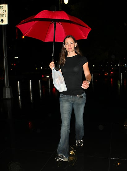 Pictures of Jennifer Garner With Violet and Seraphina in New York 2010-08-16 16:30:00