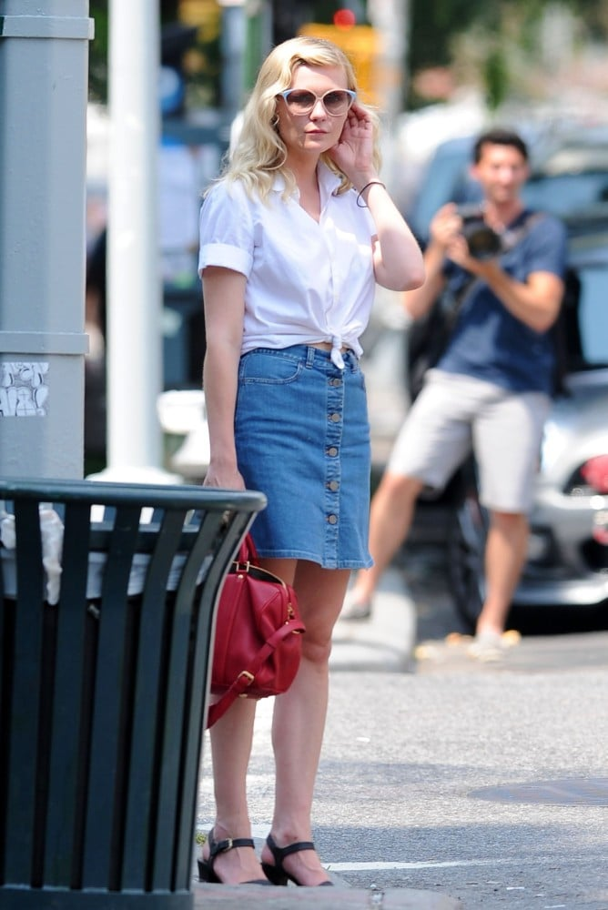 a408969fb Kirsten Dunst further proved her status as a Summer style icon in ...