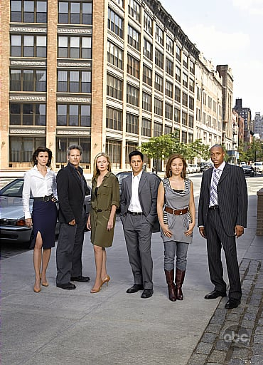 "TV Tonight: ""Six Degrees"""
