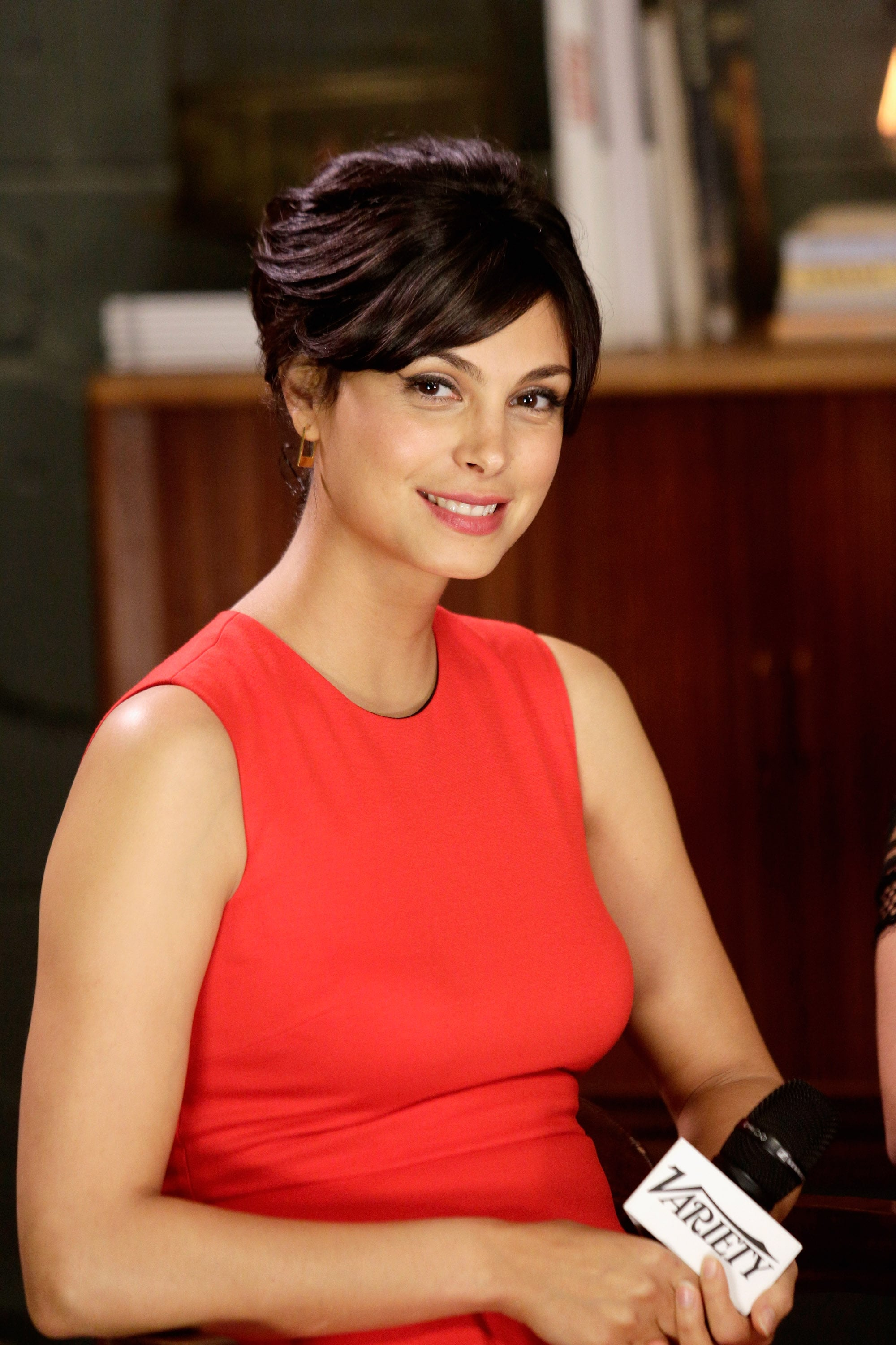 Homeland's Morena Baccarin looked classically beautiful with a swipe of pink on her lips and a pretty updo.