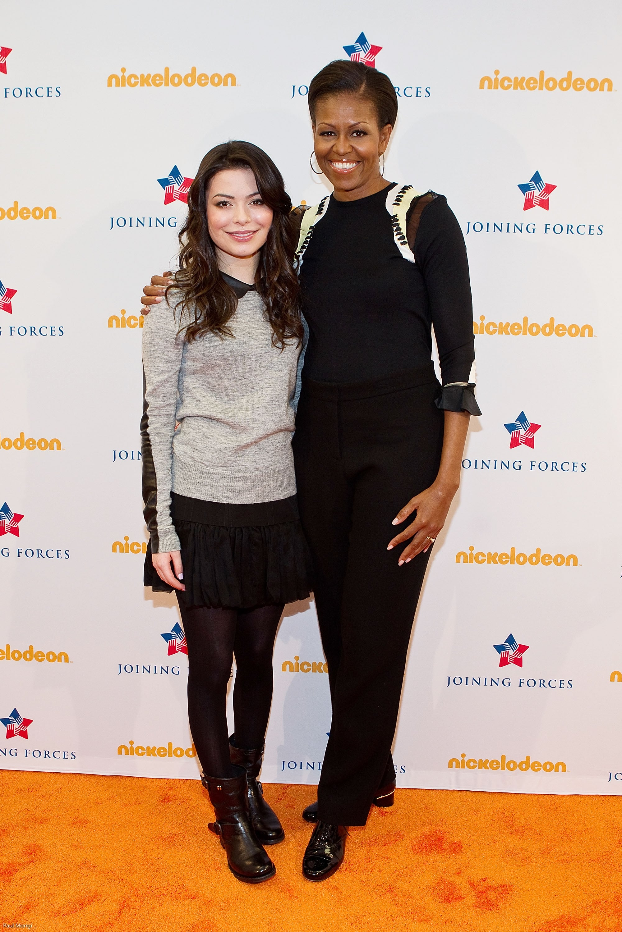 Michelle attended a screening of Nickelodeon's iCarly in a sleek black outfit. We especially loved the details on the shoulders and her shiny black brogues.