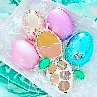 Tam Beauty Surprise Eggs Eye Shadow and Highlighter Palette