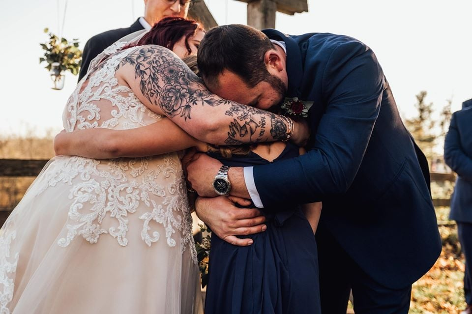 A Man Wrote Vows For His Stepdaughter on His Wedding Day, and the Photos Will Make You Cry