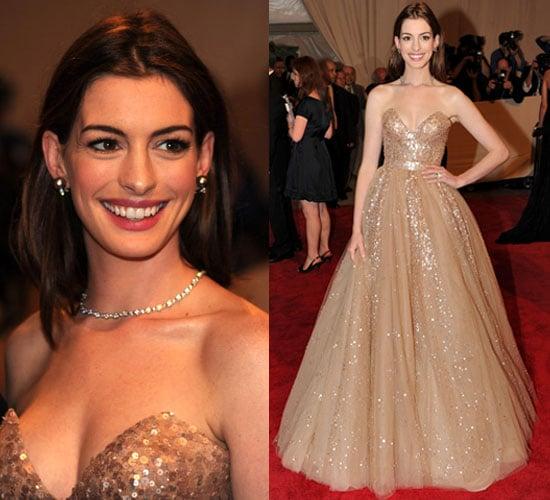 Anne Hathaway Wears Valentino At 2010 Costume Institute