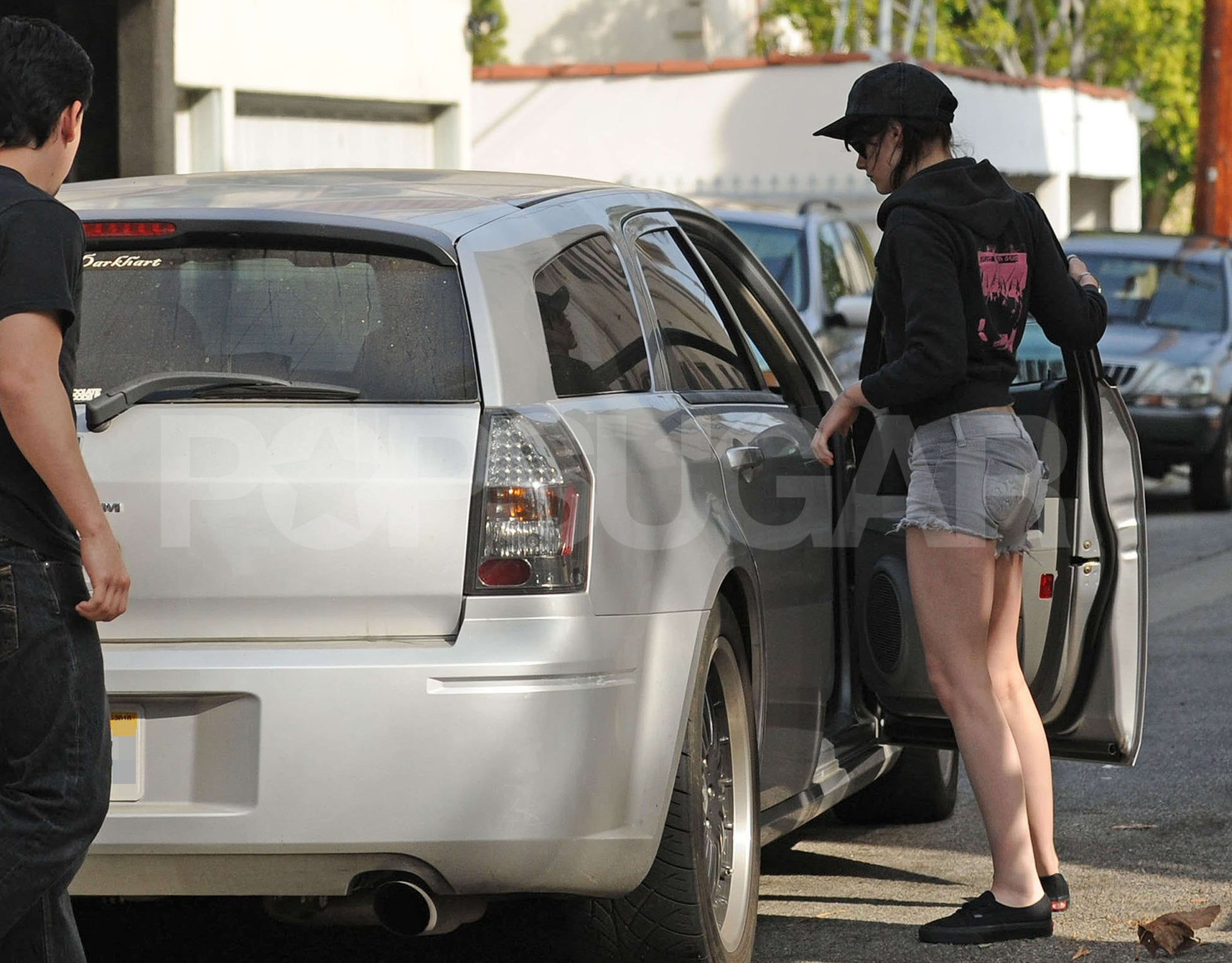 Photos Of New Moon S Kristen Stewart Wearing Short Shorts