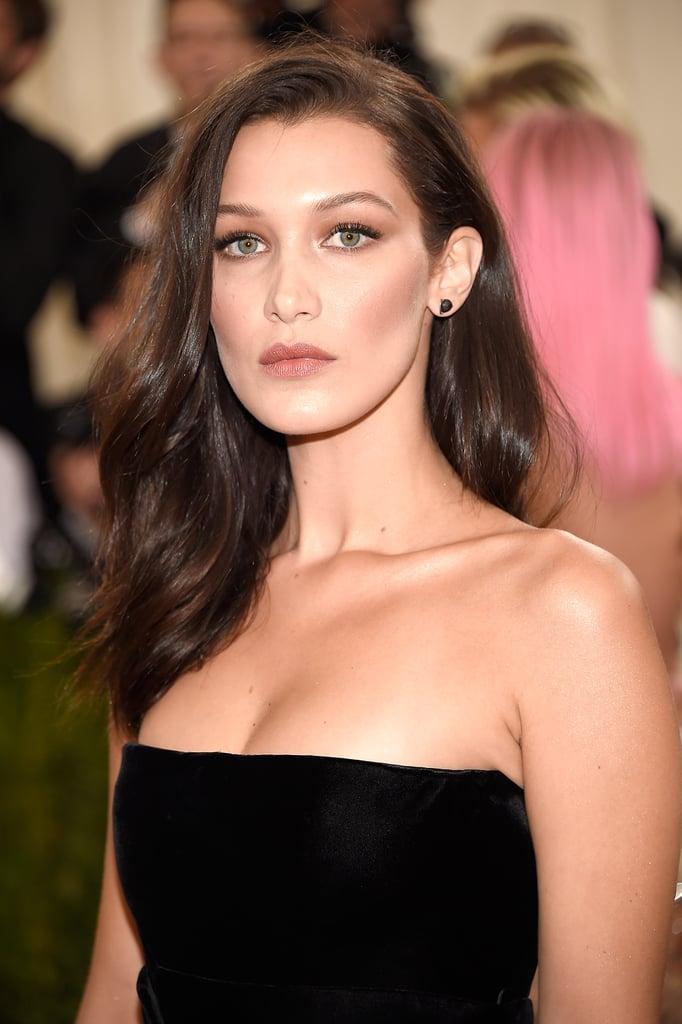 Bella Hadid's Bronzed Makeup in 2016