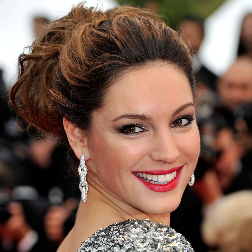 Kelly Brook at the Vous N'avez Encore Rien Vu Premiere