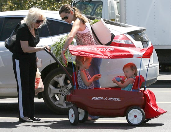 Photos of Jennifer Garner, Violet Affleck and Seraphina Affleck