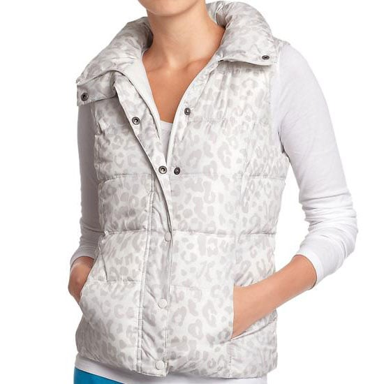 PopsugarFashionWinter FashionBest Puffer Vest Under $30Your Eyes Aren't Deceiving You — This Puffer Vest Is Really Under $30November 19, 2012 by Brittney Stephens13 SharesChat with us on Facebook Messenger. Learn what's trending across POPSUGAR.This is a true story: I've been on the hunt for the perfect puffer vest for weeks now, and last night, my lengthy search came to an end — at Old Navy. After drifting in and looking around for a bit, this Quilted Frost-Free Puffer Vest ($28) emerged in a beacon of light, just begging to be snapped up. The best thing about this piece (aside from the price) is the fleece lining, which is inside the pockets as well, ensuring toasty hands during those forgotten-glove days. While I personally picked up the solid black version, it's available in many hues, including this leopard-print iteration. Any of them would look great layered over long-sleeved tees, chunky knits, and even sweater dresses — so do yourself a favor and buy yourself one (or two!) of these before it's - 웹