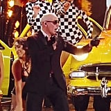 "Pitbull Singing ""Hoy Se Bebe"" With Farruko and  ""El Taxi"""
