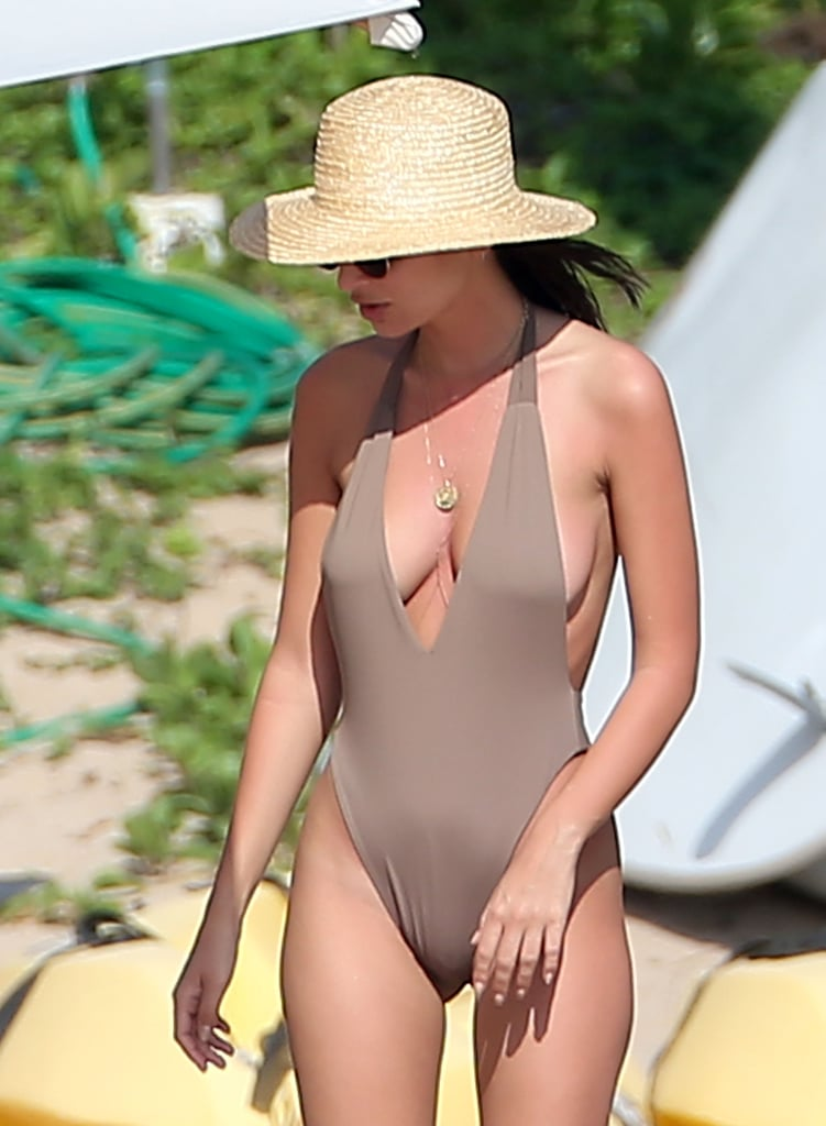 """Emily Ratajkowski Has a """"Sun's Out, Buns Out"""" Philsophy in Mexico"""
