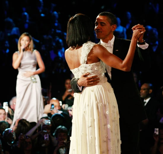 "Video of Beyonce Singing ""At Last"" For the Obamas' First Dance"