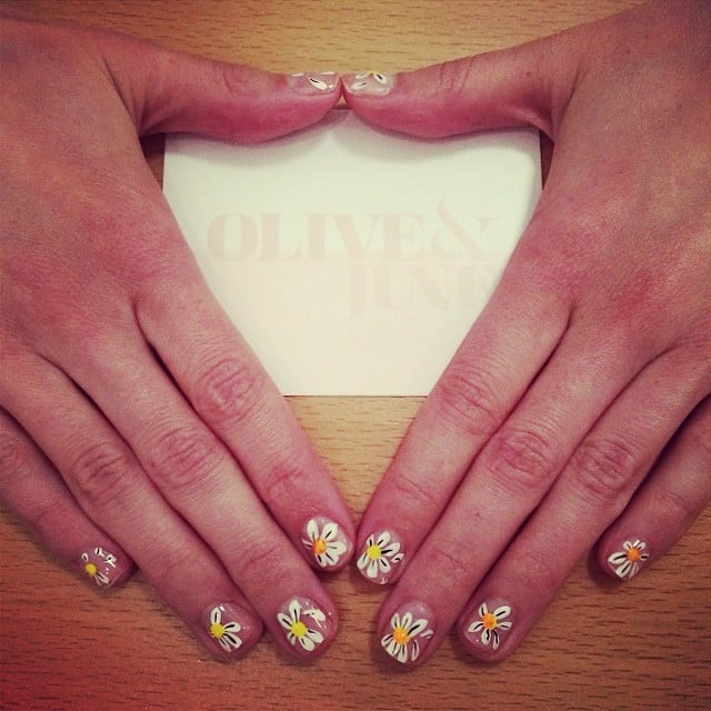 Daisy Chain Best Spring 2014 Nail Art Of Instagram Popsugar