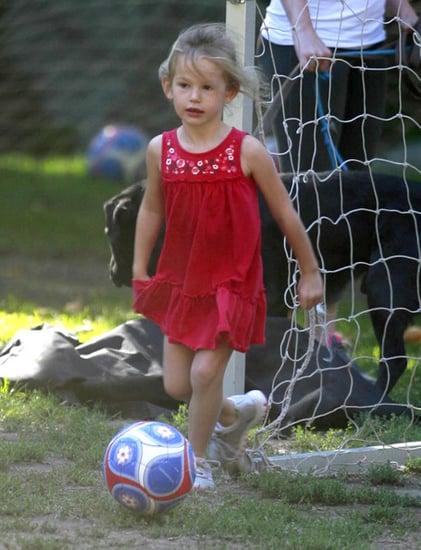 Jennifer Garner Takes Her Daughter To Soccer Camp