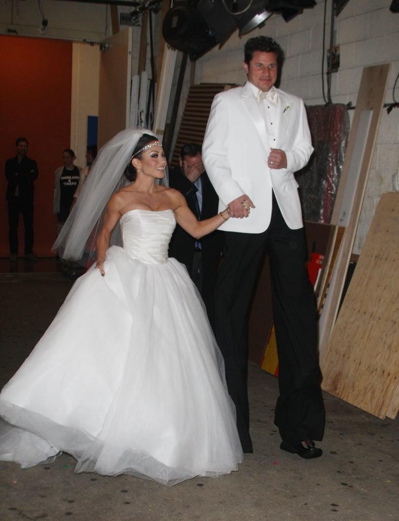 Kelly Ripa and Nick Lachey as Kim Kardashian and Kris Humphries in 2011