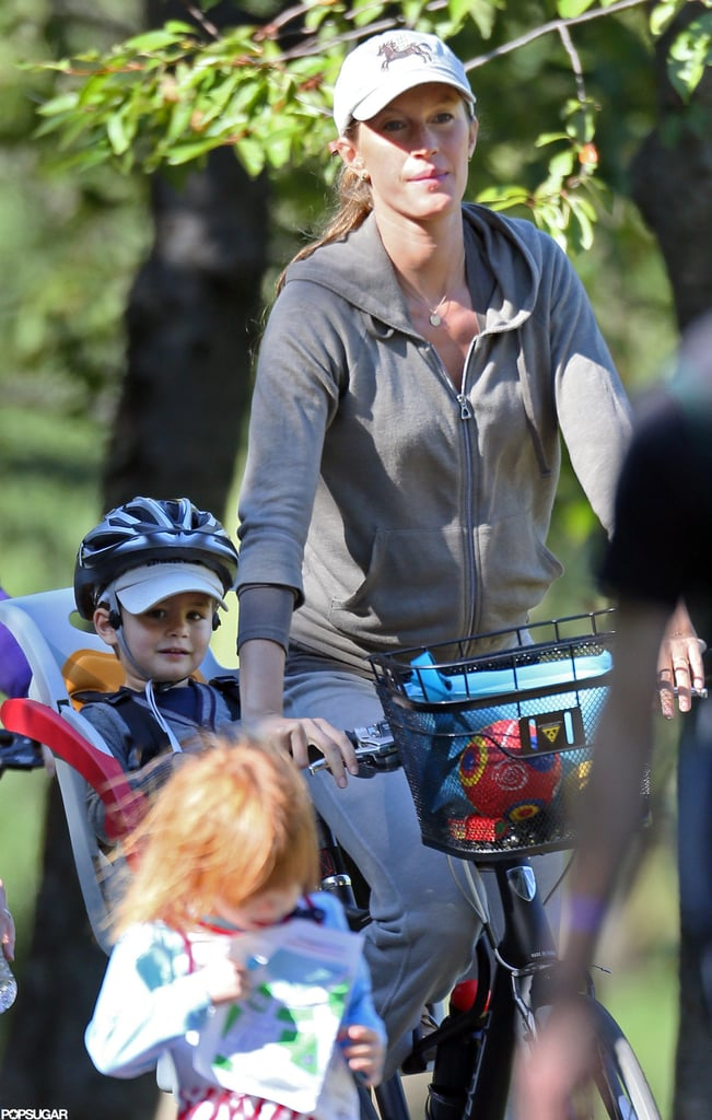 Gisele Bündchen and Benjamin Brady rode a bicycle in Boston together in September.