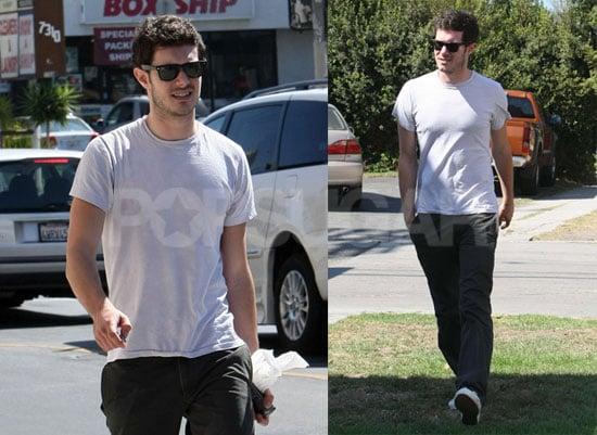 Photos of Adam Brody Running Errands in LA 2008-09-03 15:10:32