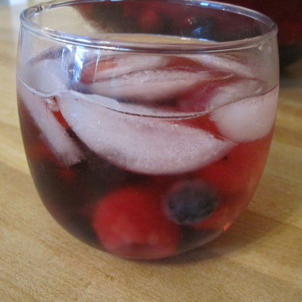 Berry Sangria Recipe 2011-05-27 11:33:20