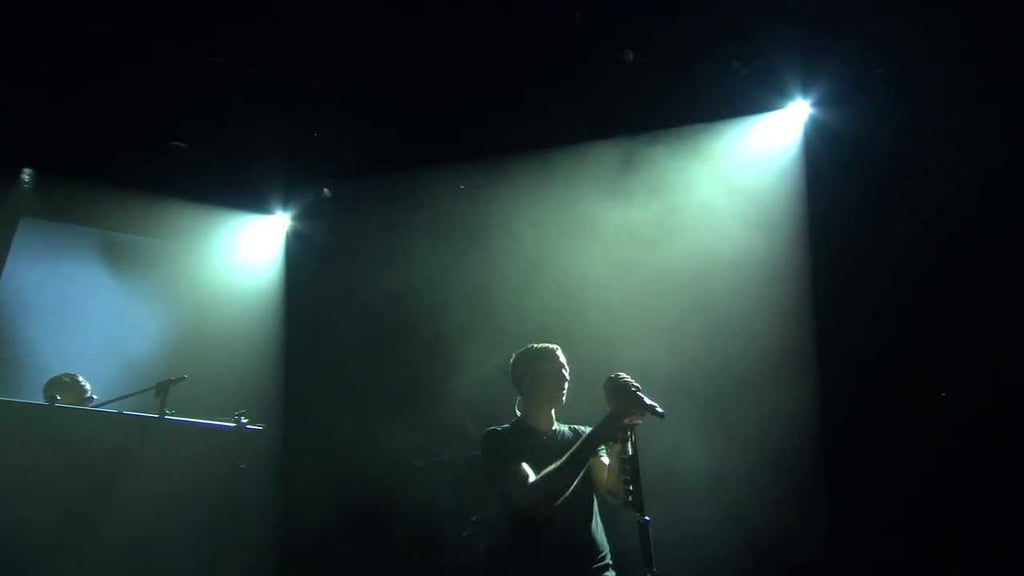 Image Result For Linkin Park Rolling In The Deep Itunes Festival