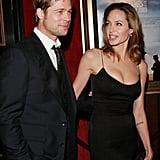 Brad Pitt und Angelina Jolie zur Premiere von The Assassination of Jesse James in NYC's Ziegfeld Theater im September 2007.
